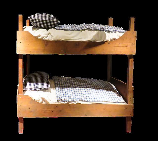 stará patrová postel.png