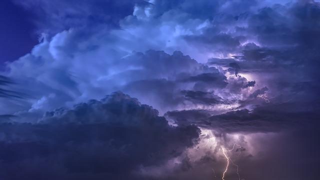 mraky bouřky